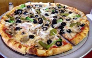 Frank's veggie pizza